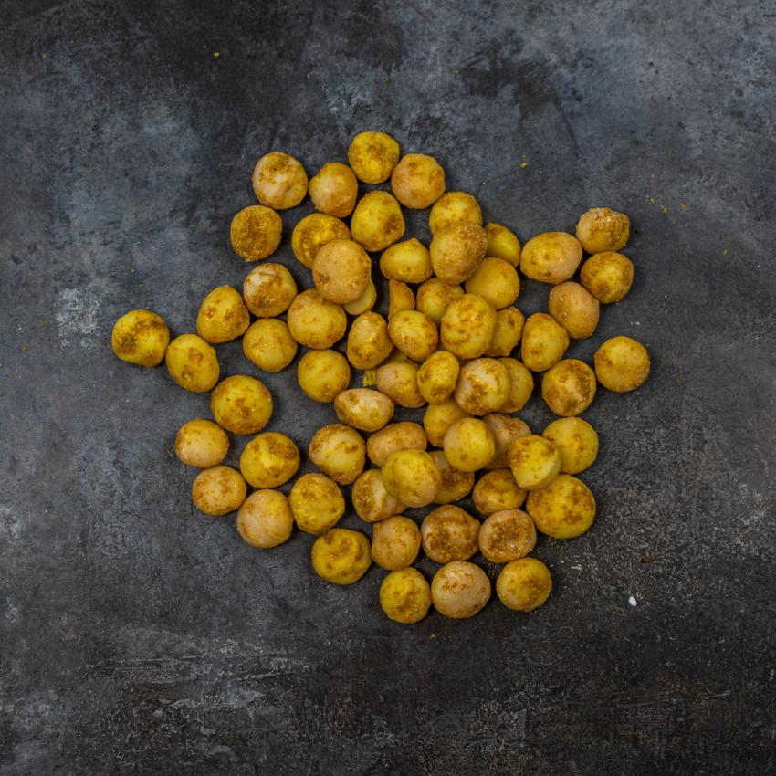 Macadamia nødder med citrongræs og karry